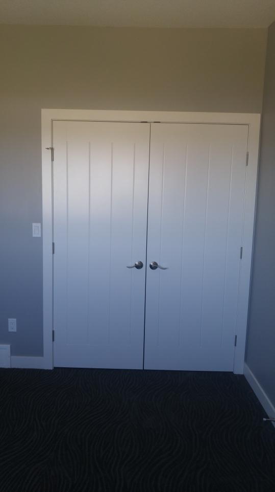 paramount closet doors
