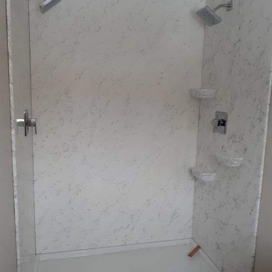 rhonda double shower